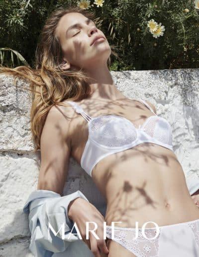 MJ Delphine White